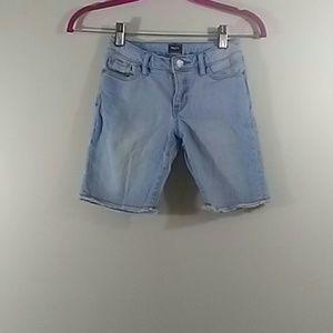 Gap Girl's Denim Shorts Light Wash Size 7